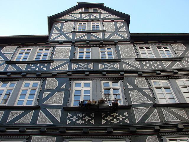 Ein altes Haus kaufen: Überwiegen doch die Nachteile? (Foto: Allie_Caulfield)